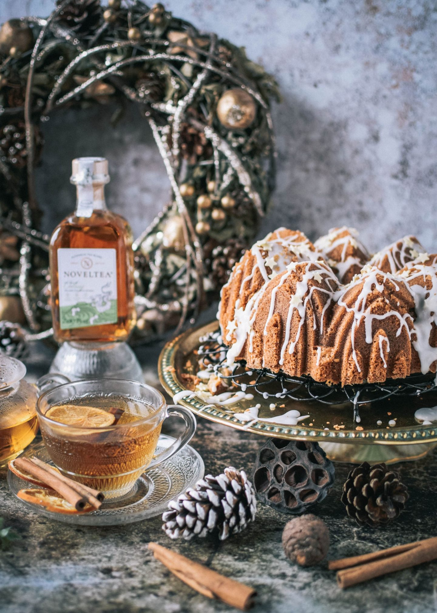 Hot Toddy Cake with Noveltea